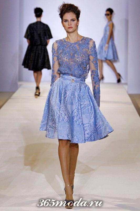 цветная гипюровая юбка клеш с прозрачной блузой с чем носить