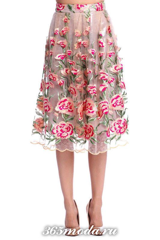 гипюровая юбка пачка с принтом с чем носить