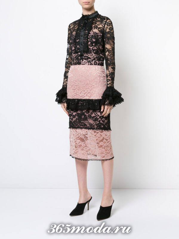 с чем носить двухцветную гипюровую юбку карандаш с кружевной блузкой с рукавами клеш