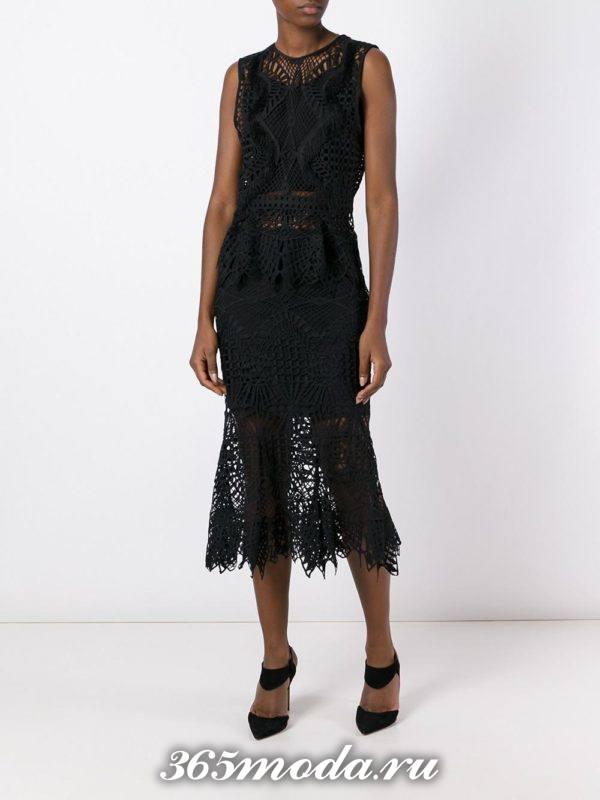 черная гипюровая юбка годе с топом с баской с чем носить