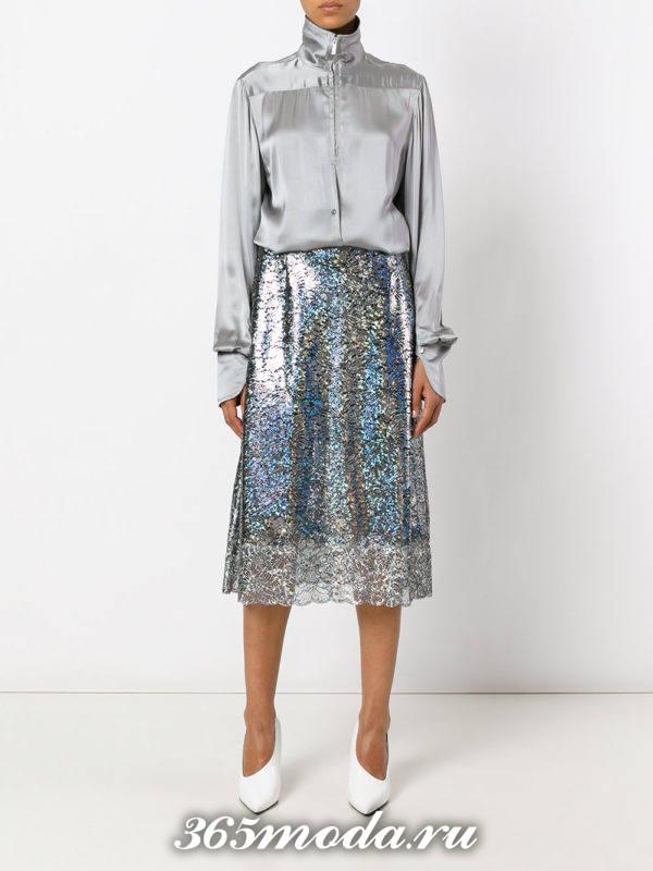 с чем носить гипюровую юбку металлик с серой блузой