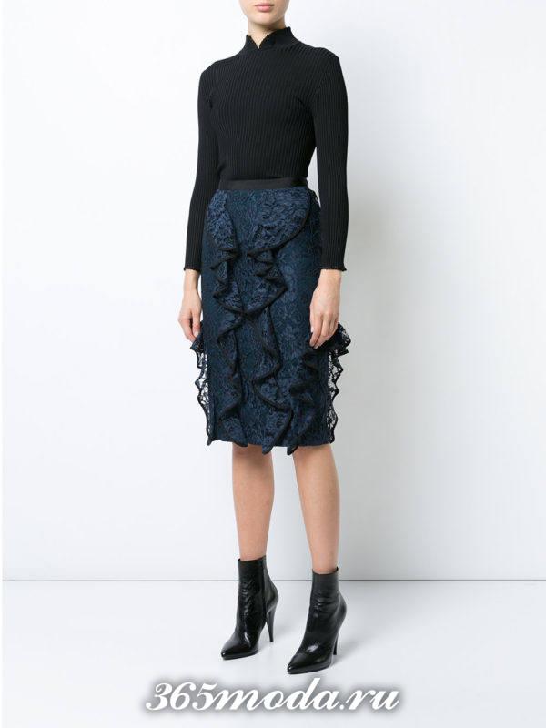 гипюровая юбка с оборками с черной блузой с чем носить