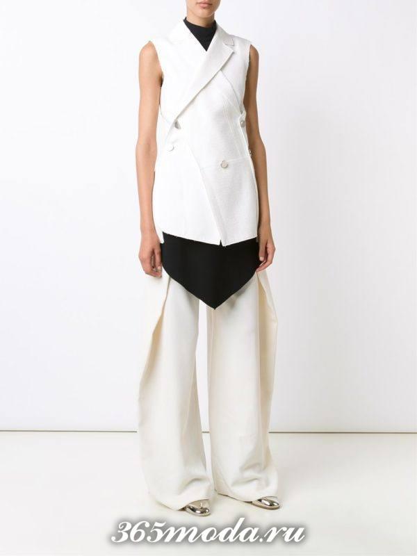 с чем носить белый летний удлиненный жилет без рукавов