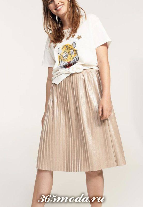 светлая юбка плиссе миди для полных