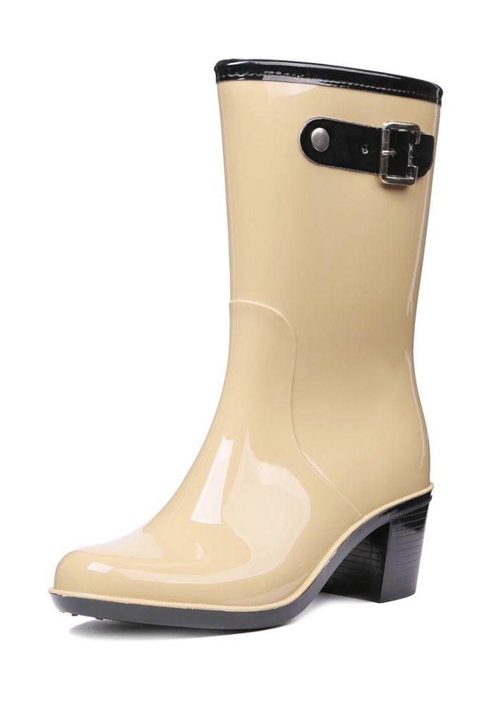 резиновые бежевые сапоги на каблуках весна