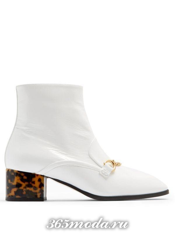белые полусапожки на квадратном каблуке весна