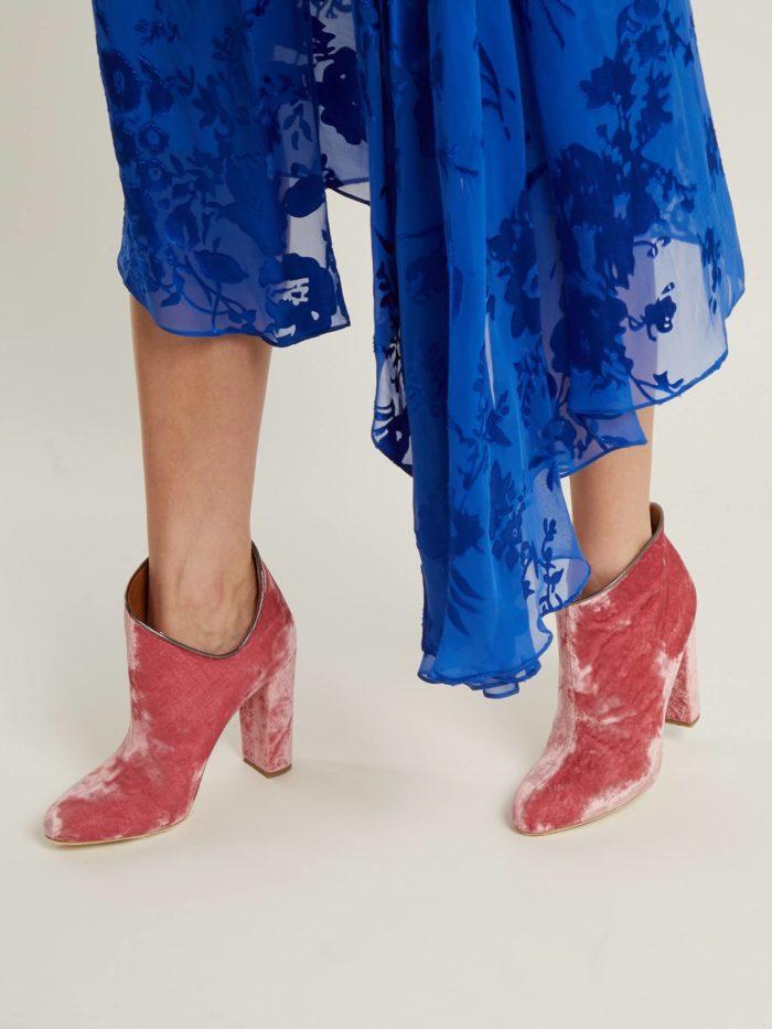 розовые бархатные ботинки на каблуке женские весна