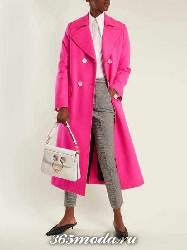 образ с розовым пальто миди весна