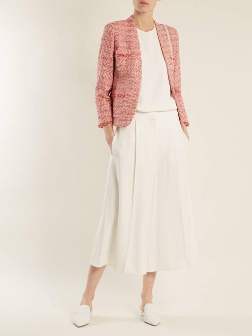 образ с коротким пиджаком с принтом с юбкой клеш весна