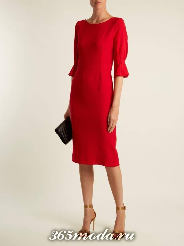 образ с красным платьем футляр весна