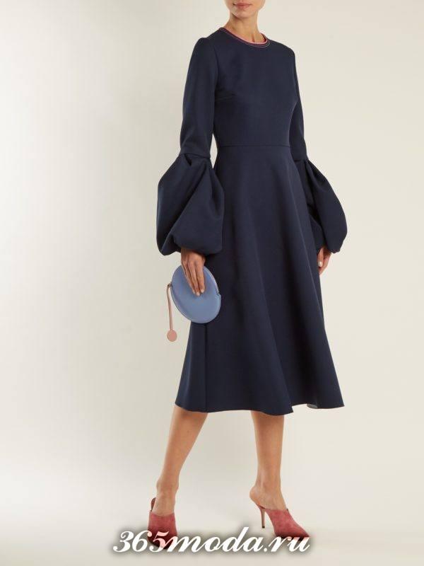 образ с синим платьем с пышными рукавами весна
