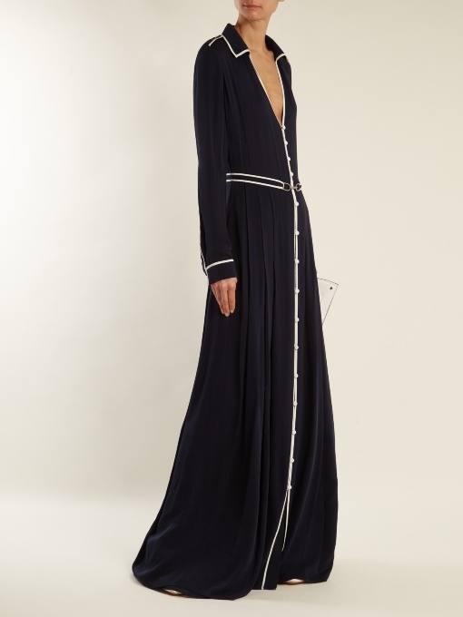образ с длинным черным платьем весна