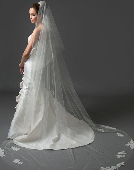 свадебная фата белая длинная с декором