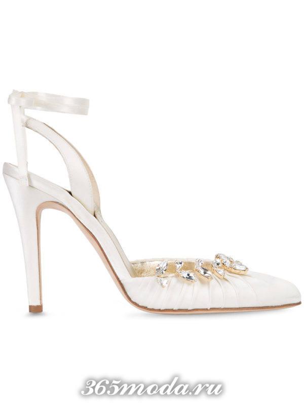 свадебные туфли с камнями
