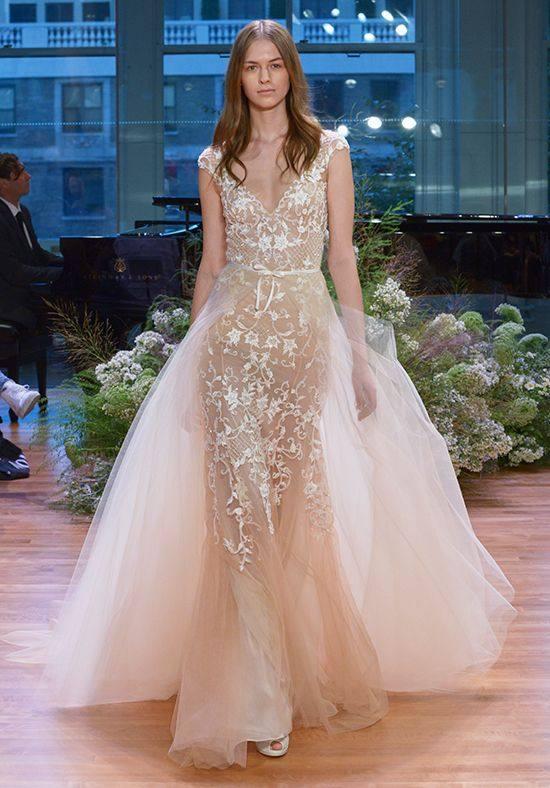 свадебное платье цветное с вышивкой