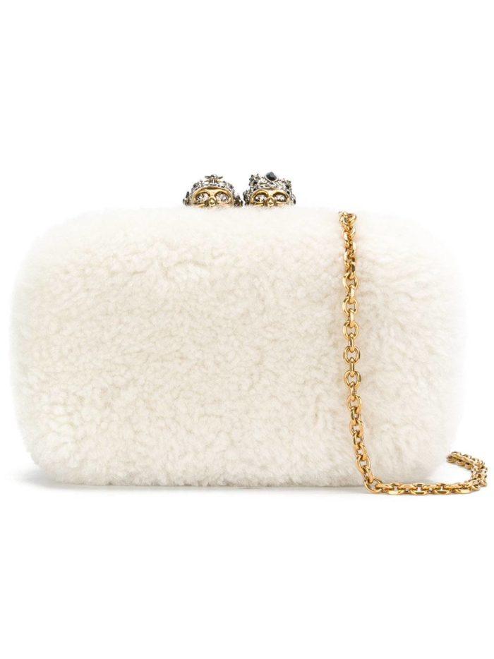 Свадебная мода: сумка белая меховая