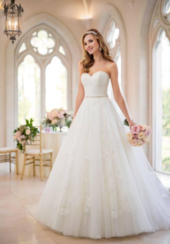 свадебное платье бюстье пышное белое