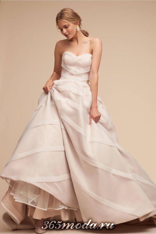 свадебное платье бюстье пышное с декором