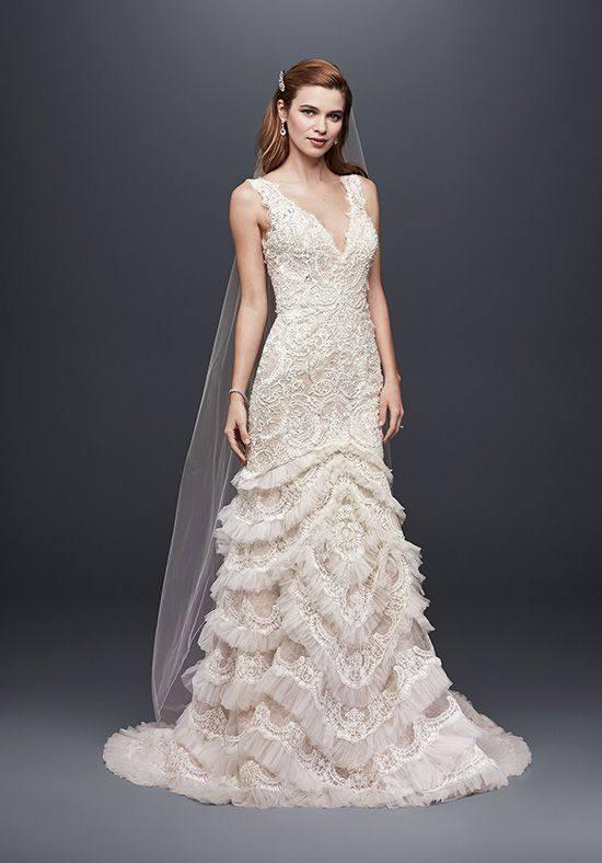 свадебное кружевное платье с оборками
