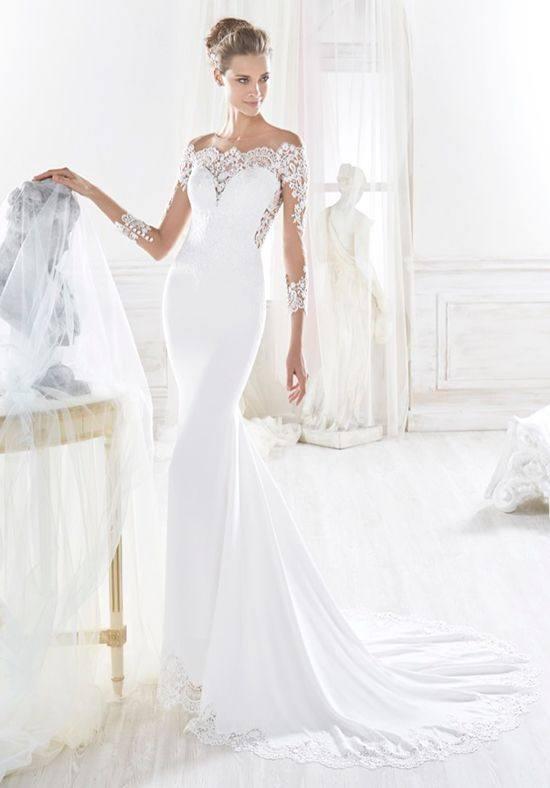 свадебное платье с открытыми плечами белое со шлейфом
