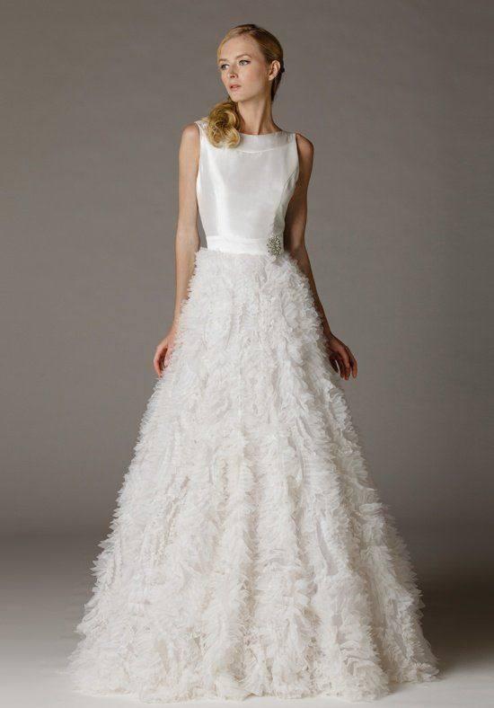 модное пышное белое свадебное платье с декором
