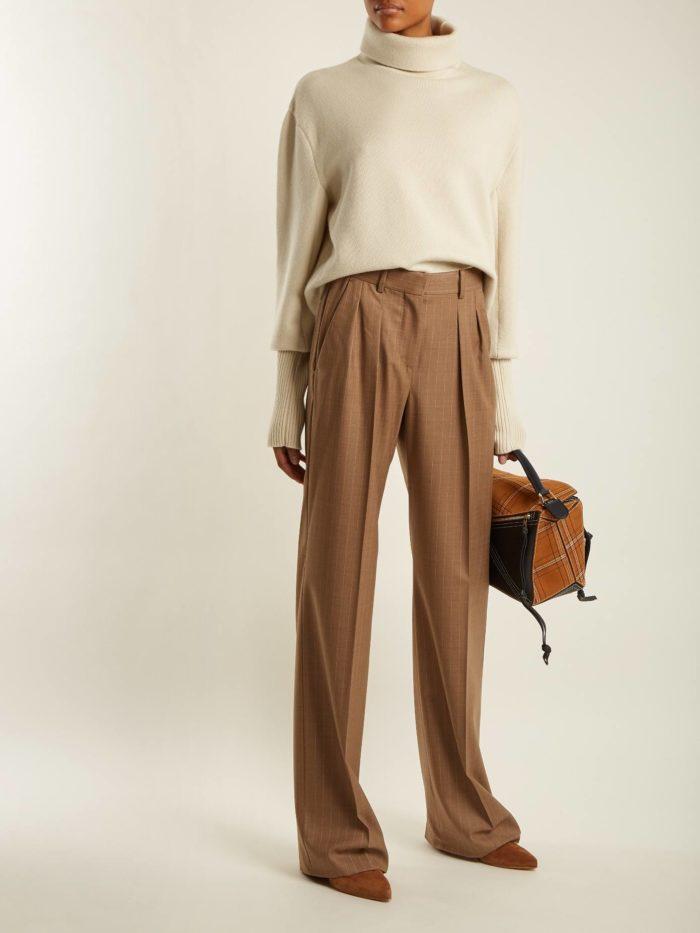 широкие коричневые брюки