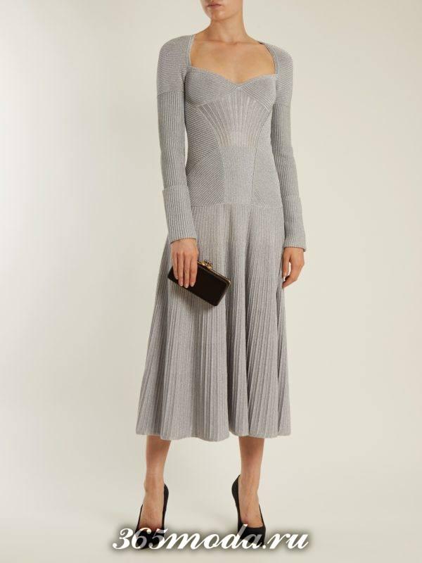 длинное вязаное платье клеш осень-зима