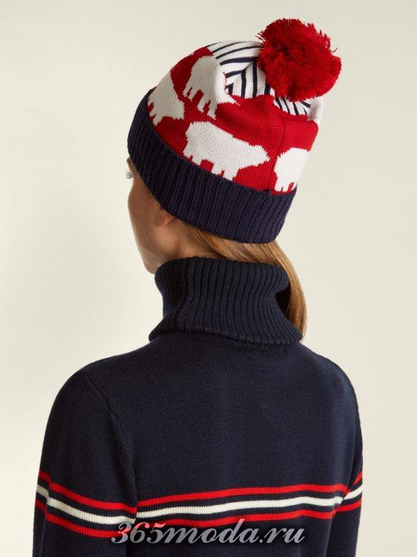вязаная шапка с помпоном осень-зима