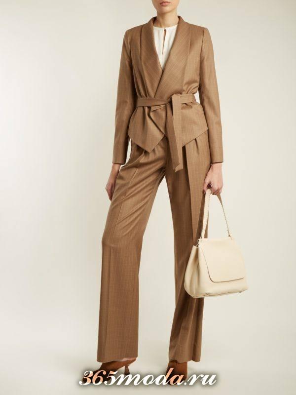 коричневый брючный костюм с поясом осень-зима