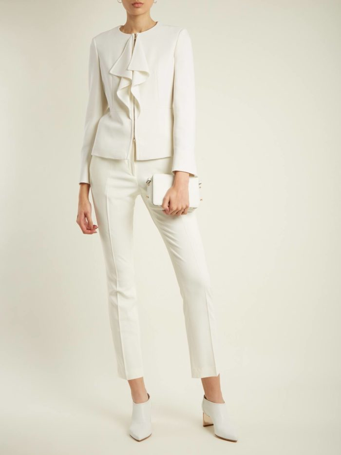 тренды осень-зима 2019-2020: белый костюм с укороченными брюками