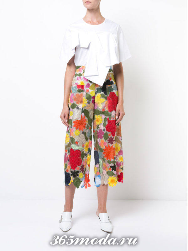 укороченные брюки кюлоты с цветочным принтом