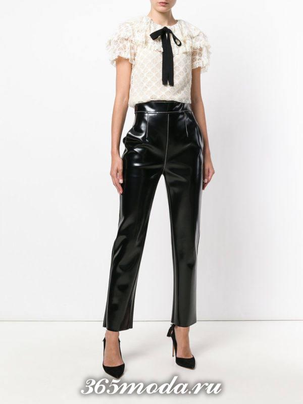 укороченные брюки с завышенной талией кожаные