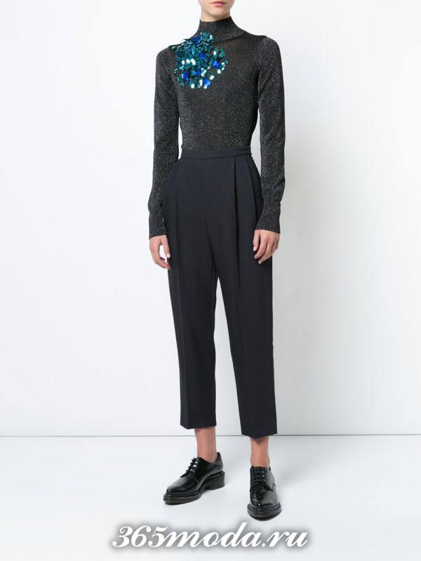 укороченные брюки бананы синие