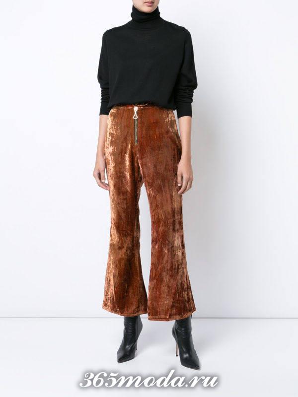 укороченные бархатные брюки с ботинками на каблуке