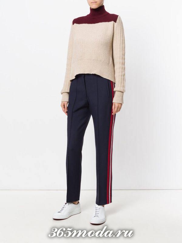 прямые укороченные брюки с лампасами