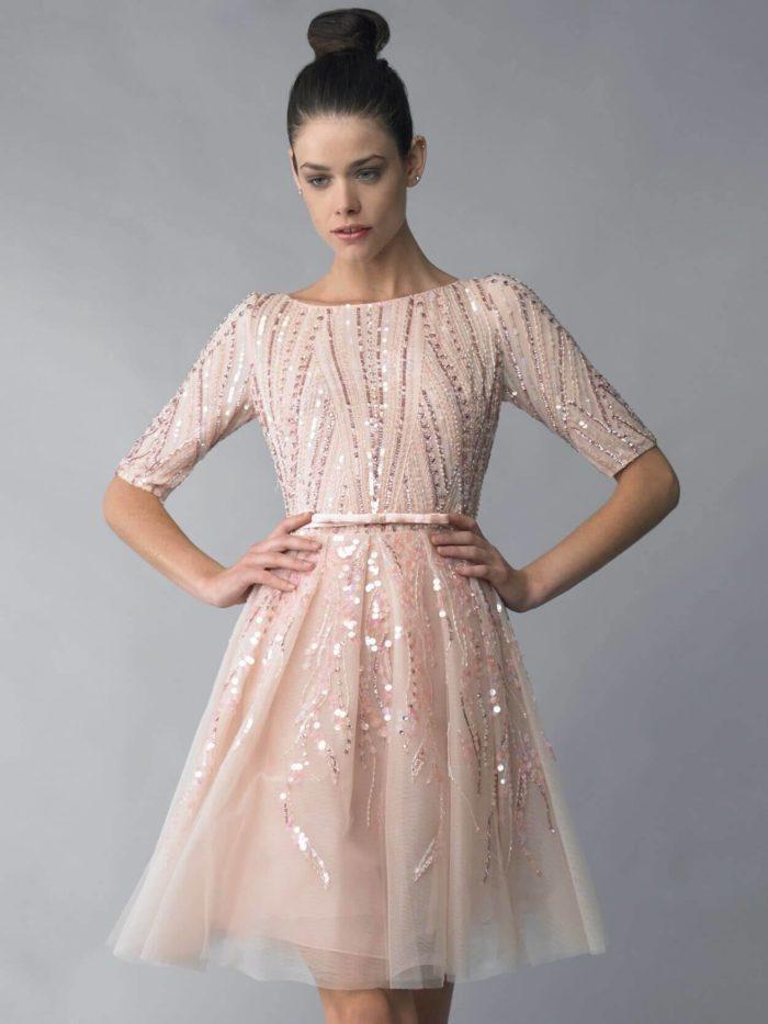 короткое пышное платье с ремнем на выпускной