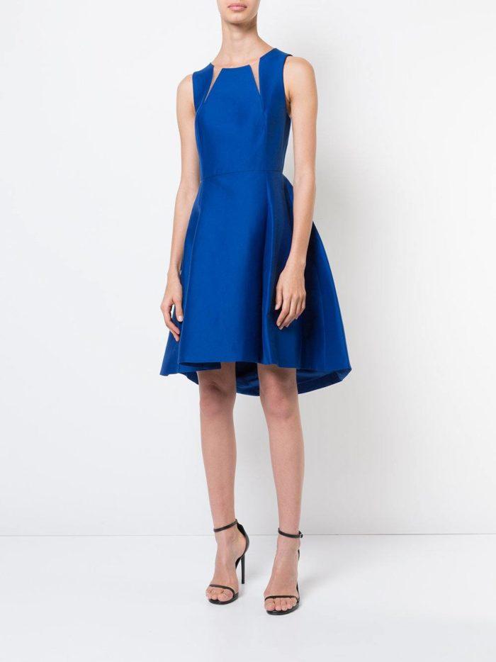 выпускные короткие платья: синее пышное с прозрачными вставками
