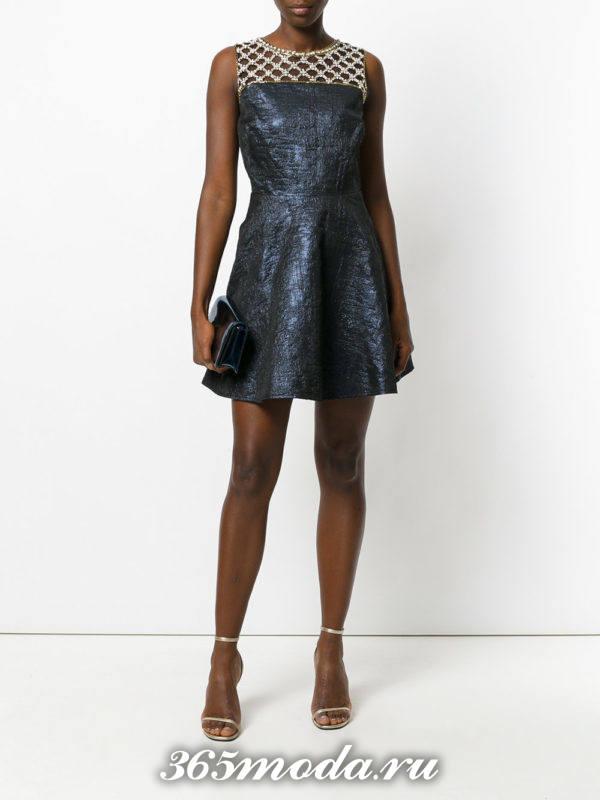синее пышное короткое платье с декором на выпускной