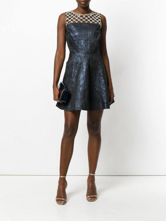 выпускные короткие платья: синее пышное с декором