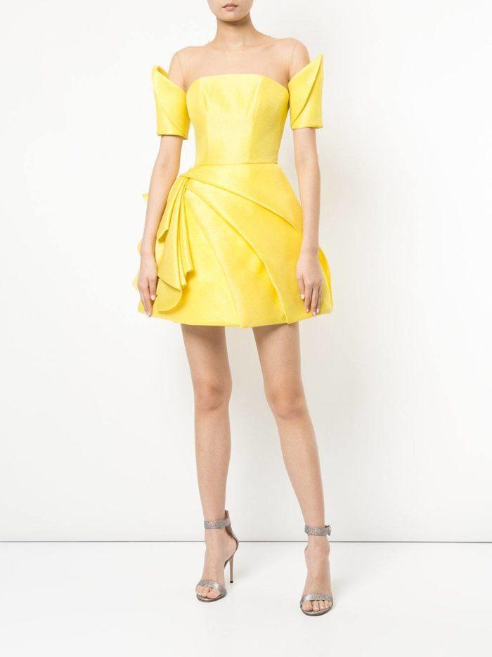 короткие платья на выпускной: желтое пышное