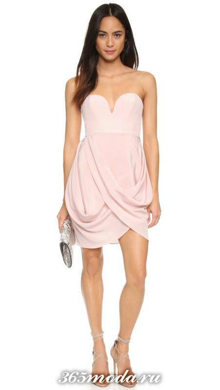 кроткое розовое платье тюльпан с открытыми плечами на выпускной