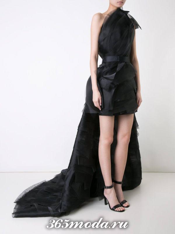 многослойное черное короткое платье со шлейфом на выпускной