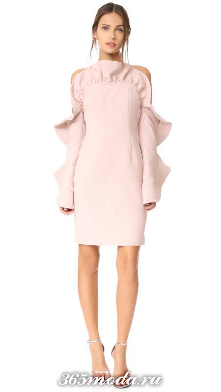 розовое короткое платье футляр с оборками на выпускной