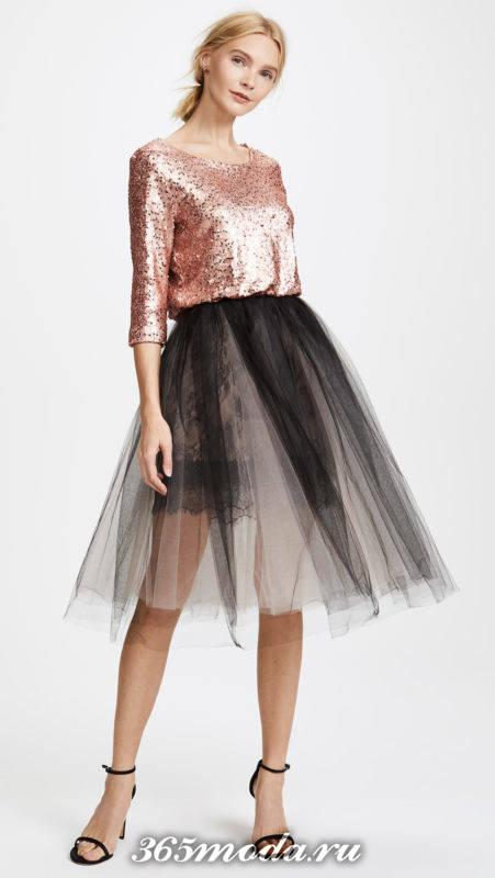 короткое двухцветное платье с пышной юбкой на выпускной