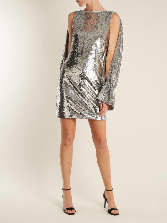 короткое платье на выпускной: серебристое с длинными рукавами