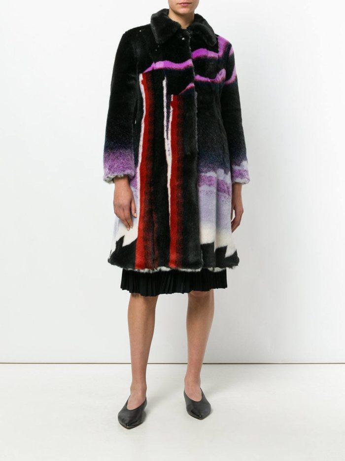 Верхняя одежда осень-зима 2019-2020: разноцветная шуба