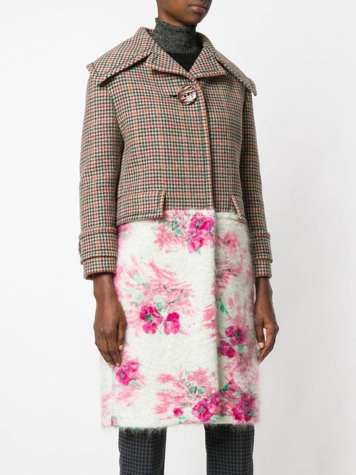 Верхняя одежда осень-зима 2019-2020: комбинированное пальто с воротником