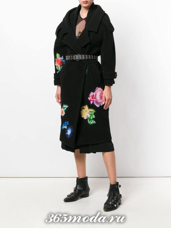 черное пальто с рисунком осень-зима