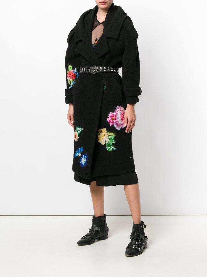 Верхняя одежда осень-зима 2019-2020: черное пальто с рисунком