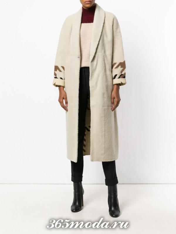 светлое миди пальто с декором осень-зима